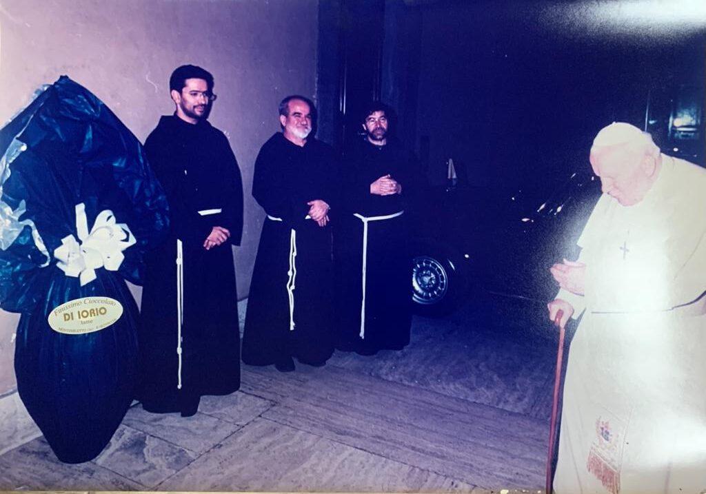 """Festa: """"Che emozione quando donammo a Papa Giovanni Paolo II il nostro Uovo di Pasqua"""""""